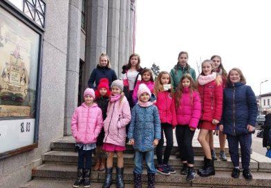 """Deju izrāde """"Čipolīno"""" Daugavpils teātrī"""